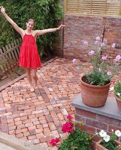 22 Backyard Patio Of Bricks How to Lay a Patio from Reclaimed Bricks — Alice de Araujo Red Brick Pavers, Small Brick Patio, Brick Paver Patio, Brick Pathway, Brick Garden, Brick Patios, Red Bricks, Brick Driveway, Garden Paths