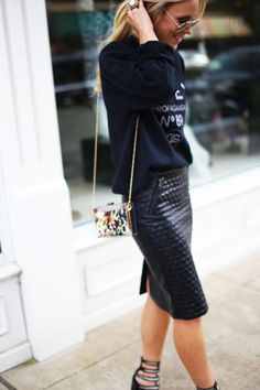 Wardrobe inspiration - leather pencil skirt paired with sweatshirt contrasting texture top 👠 Stylish outfit ideas for women who love fashion! Look Fashion, Street Fashion, Womens Fashion, Fashion News, Mode Style, Style Me, Classic Style, Happily Grey, Looks Black