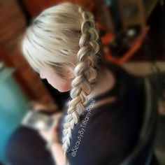 When #blonde and #braids collide you get this perfection from @beautybytiffanyrose !
