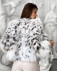Fox Fur Coat, Fur Coats, Fur Jackets, White Fur, Furs, Mantel, Women Wear, Change, How To Wear