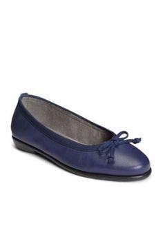 AEROSOLES Dark Blue Leather Fast Bet Casual