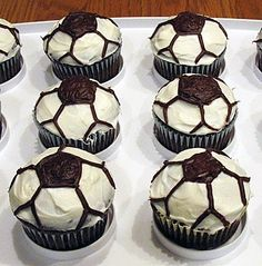 soccer cupcakes--I actually did a soccer cake, and used fondant instead of icing all the cupcakes, but this is where I came up with the idea. Soccer Cupcakes, Soccer Cake, Cute Cupcakes, Cupcake Cookies, Soccer Party, Soccer Birthday, Birthday Cupcakes, Soccer Treats, Soccer Cookies