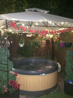 Lovely Hot Tub with fairy lights