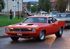 Plymouth Barracuda http://www.musclecardefinition.com/