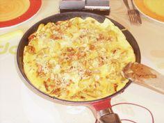 oeuf, lardons, pomme de terre, oignon, moutarde à l'ancienne, crème semi-épaisse, gruyère, Sel, Poivre, ail, persil, Huile d'olive