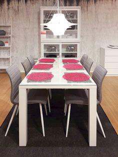 Olisiko tänään se hetki kun koko perhe kokoontuu saman pöydän ääreen ruokailemaan? #sisustaminen #askohuonekalut #sisustusidea #sisustusideat #sisustus #style #decoration #homedecor #kokoperheyhdessä #ruokahetkiparashetki #ruokapöytä #jyväskylä #palokka