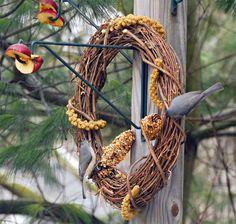 Bird Feeder Wreaths | Garden Art Projects & Garden Crafts to Make