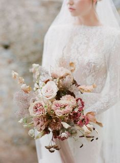 fall bridal bouquets Haunting Bridal Style with Pearl Veil in Greece Romantic Wedding Flowers, Wedding Flower Inspiration, Romantic Weddings, Floral Wedding, Mauve Wedding, Wedding Ideas, Rose Wedding, Bridal Bouquet Fall, Fall Wedding Bouquets
