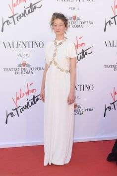 Alba Rohrwacher is breathtakingly beautiful in a white Haute Couture gown at the opening of 'La Traviata' held on May 22th at Teatro dell'Opera di Roma.