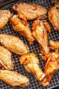 Easy Air Fryer Chicken Wings are so crispy and delicious without using any extra oil! Cooking Chicken Wings in an Air Fryer instead of deep-frying or baking them in the oven makes them healthier, simp Air Fry Chicken Wings, Frozen Chicken Wings, Cooking Chicken Wings, Chicken Wing Recipes, How To Cook Chicken, Fried Chicken, Nuwave Chicken Wings Recipe, Crispy Chicken, Chicken Thighs