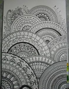 40 illustrated mandala drawing ideas and inspiration. Learn how you can draw mandalas step by step. This tutorial is perfect for all art enthusiasts. Mandalas Painting, Mandalas Drawing, Zentangle Drawings, Zentangle Patterns, Doodle Drawings, Doodle Art, Doodles Zentangles, Zen Doodle, Easy Mandala Drawing