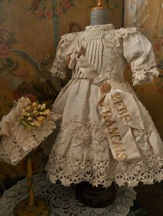 ~~~ Gorgeous French Silk BeBe Costume with Bonnet ~~~