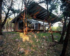 Lago Vista Lake House in Texas by Bercy Chen Studio LP