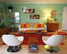 Viviana Agostinho's retro apartment makeover (9)