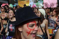 """osCurve   Contactos : """"Marcha de las Putas"""" en Sao Paulo, Brasil."""