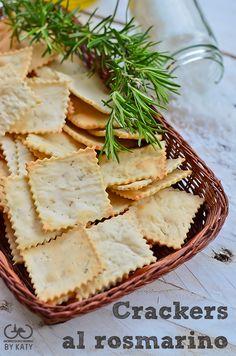 Crackers al rosmarino, io non li compro più. Crackers, Tuna Fish Recipes, Healthy Cooking, Cooking Recipes, Creative Food, Crepes, Street Food, Baking And Pastry, Italian Recipes
