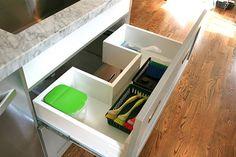 cajón debajo del fregadero