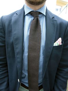 i like this tie.