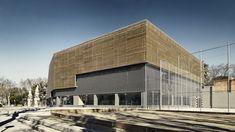 Galeria de Edifício Poliesportivo / Batlle i Roig Arquitectes - 18