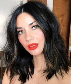♥️ Olivia Munn long bob with curls + hair styles for short medium hair and beautiful red lipstick