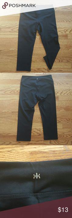 """Kyodan Black capri Leggings Front Rise 8.5"""", back rise 10.75"""", outseams 26"""" Kyodan Pants Leggings"""