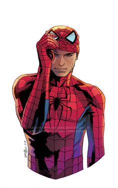 Человек паук с приподнятой маской