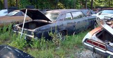 Antique Junk Yards | ... antique Chevrolet junk yard car parts, old Chevy auto salvage yard