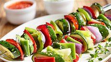 Marinované zeleninové špízy z grilu