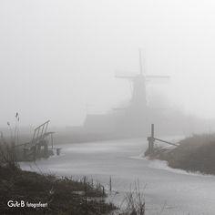 """https://flic.kr/p/Rj3hCY   """"de Windjager"""" in the fog"""