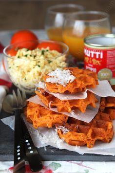 Tomato gaufres, la gaufre salées pour petits... et grands (+ concours) Finger Food Appetizers, Finger Foods, Appetizer Recipes, Fun Cooking, Cooking Recipes, Waffles, Pancakes, Zucchini, Tacos