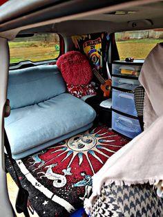 Kombi Hippie, Hippie Car, Suv Camping, Camping Hacks, Car Hacks, Vw Minibus, Car Interior Decor, Kia Soul Interior, Car Interior Design