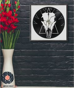 Deer Skull - Sculpture and decorative object on vinyl record