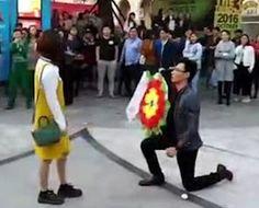 Chinês faz pedido de casamento com flores de funeral e se dá mal