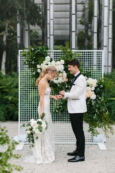 modern ceremony backdrop with greenery and white flowers. Great for a small venue Backdrops, Wedding Dresses, Beautiful, Altars, Soho, Fashion, Arch, Bride Dresses, Moda