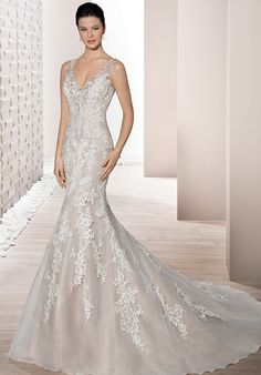 Sleeveless fit-in-flare wedding gown with lace and tulle | Demetrios 682 | http://trib.al/lnq2J3R