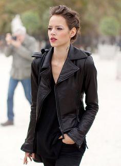 "The 30-Somethings Wardrobe: Creating Your Style ""Uniform"" | Lauren Messiah"