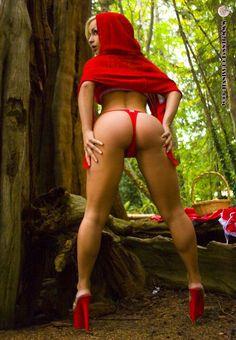 Sexyhorny red riding hood