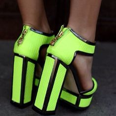#katmaconie#shoedesigners#highheels#fluorescent#neon#heels#pumps#shoes