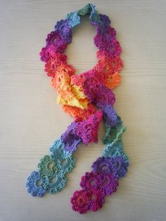 queen anne scarf by riavandermeulen, via Flickr