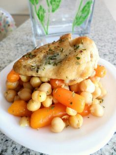 Chick peas and carrots with garlic and baked chicken wing