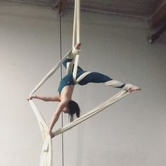 im feeling happy & grateful today♡ good things are coming never forget it 💕 song by bodysuit by shape… Aerial Acrobatics, Aerial Dance, Aerial Hoop, Aerial Arts, Aerial Silks, Best Weight Loss, Weight Loss Tips, Dance Stretches, How To Get Rid Of Pimples