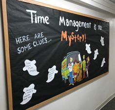 12 Bulletin Board Ideas for the RA Who's Not Creative - - Because being artistic every month is a struggle. Monster Bulletin Boards, October Bulletin Boards, Thanksgiving Bulletin Boards, College Bulletin Boards, Bulletin Board Design, Halloween Bulletin Boards, Birthday Bulletin Boards, Spring Bulletin Boards, Bulletin Board Display