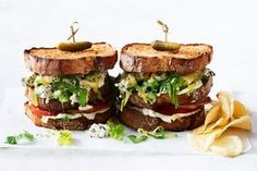 For the ultimate lunchtime meal, try this fully-loaded club sandwich made with chicken, mayo, crispy bacon and pickles! Monte Cristo Sandwich, Best Pasta Recipes, Cooking Recipes, Egg And Bacon Pie, Sandwiches, Chicken Club, Roast Chicken Recipes, Couscous Salad, Cheesy Potatoes