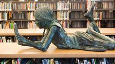 Reading  -  metalm_sculpture