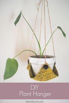 15 macrame diy plant hanger tutorials hanging pots - Savvy Ways About Things Can Teach Us Diy Hanging, Hanging Planters, Diy Hammock, Diy Rangement, Plant Crafts, Plant Cuttings, Plant Pots, Diy Décoration, Easy Diy