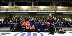 Carlos Sainz, Daniil Kvyat, track action, garage, team, pitlane... enjoy the best shots from our #F1 2016 Abu Dhabi Grand Prix. Full Galleries on http://win.gs/str_galleries. Wallpaper download section on http://win.gs/str_download. #F1 #tororosso #kvyat #sainz #redbull #AbuDhabiGP