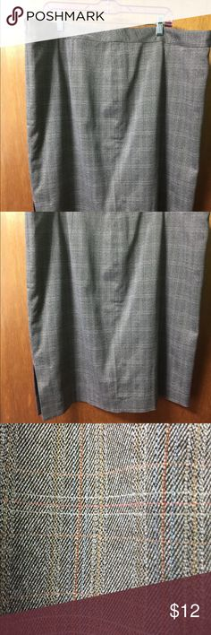NWOT Lane Bryant Size 20 Pencil Skirt NWOT Lane Bryant Size 20 Tan and Brown striped pencil skirt. Classic pencil skirt. Always in style and very classy. I found it in the back of my closet but now it's too big on me.  It's a beautiful skirt. Bundle for more savings and I'm open to offers! Lane Bryant Skirts Pencil