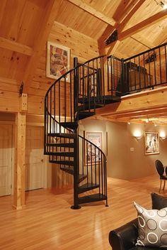 escalier métallique, intérieur type chalet, escalier hélicoidal