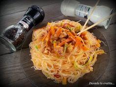 Daniela la cratita...: Paste chinezesti (noodles) cu pui si legume