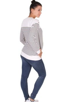 Viva la Mama | The white-navy lined and long-sleeved pregnancy, nursing & maternity shirt NORI has a beautiful maritime sailors style. NORI makes discreet breastfeeding everywhere possible.